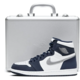 nike-air-jordan-1-high-og-midnight-navy