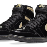 nike-air-jordan-1-retro-high-black-metallic-gold